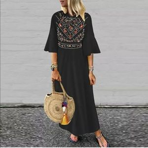 Maxi black dress w/ colorful top & bell sleeve XL